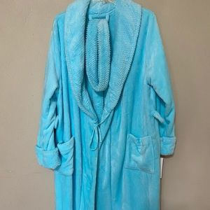 New robe Size M